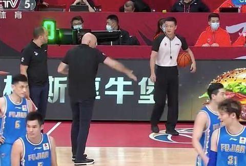 大冷门!中国男篮豪门半场输15分,剑指6连败!王哲林只进1球