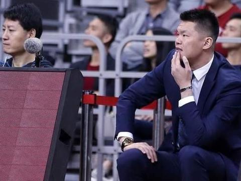 朱芳雨解释球队没签大外援是因为现有内线很不错,他是怎么考虑的