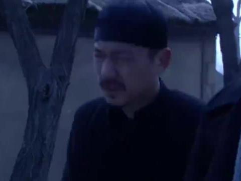 老三表面帮日军抓人,背地却帮村里的人逃跑,假汉奸真英雄!