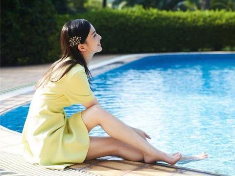 """黄圣依才是""""装嫩""""高手,穿黄色连衣裙清纯减龄,37岁状态真能打"""