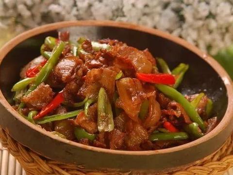 美食精选:西红柿疙瘩汤、辣椒炒肉、小米蒸排骨