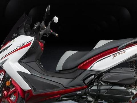 光阳一流小踏板!300cc+22马力,13L油箱+座高777mm,起步价3.5万