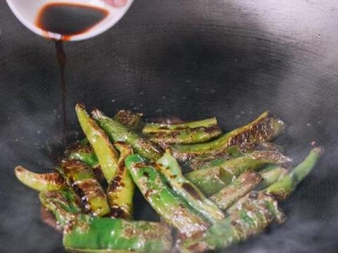 辣椒最好吃的做法,我家隔几天准做一次,一口一个,比吃肉香多了