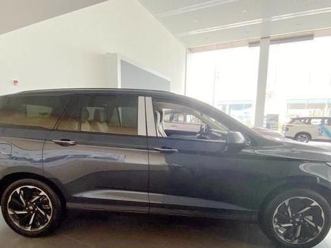 """宝骏又为""""奶爸""""造了一台SUV,长4米93,比凯捷更实用,11月上市"""