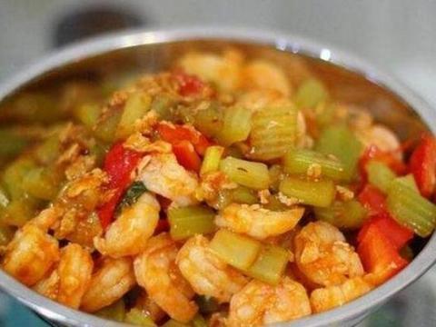 美食精选:刀切蒜椒酱炒虾仁、微波烤虾、川味椒香脆骨