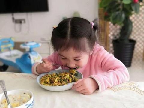 7岁孩子因脾虚发育迟缓,提醒各位家长:少给孩子吃4种伤脾食物