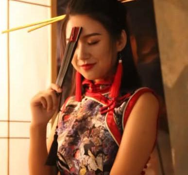小姐姐穿旗袍拍写真,成片太美了,网友:筷子满分