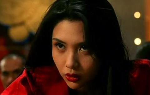 """她是王晶最欣赏的女星,""""叼扑克牌""""成为经典,如今她过得怎么样"""
