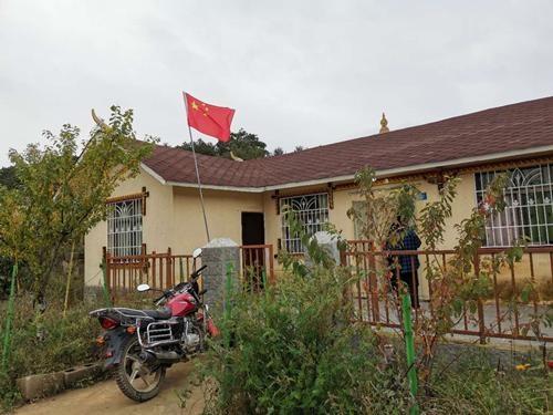 「民族团结党旗红」彝家旧村起新屋 村民生活有盼头