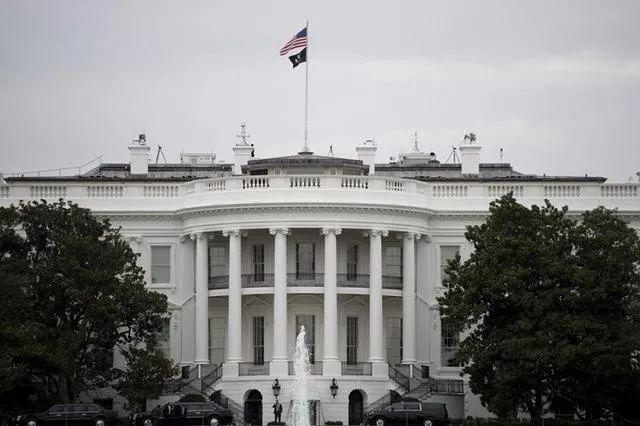 白宫内部邮件曝光:特朗普办公室被……图片