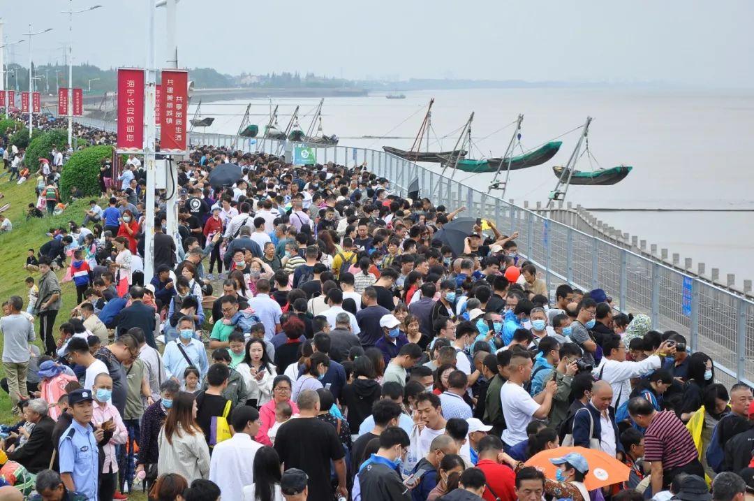 华美测速:江潮水有多好看警方从观潮人华美测速群图片
