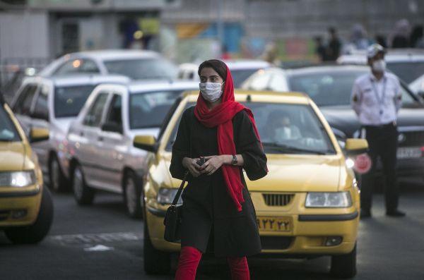 """外媒:伊朗总统称染疫不报将受""""最严厉惩罚"""""""