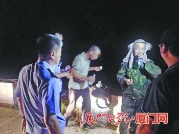 两名勘测员被困在童安山警方机智定位救援