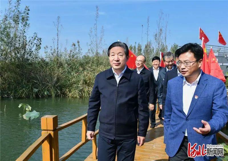 [华美代理]省委书记王东华美代理峰省长许勤来到图片