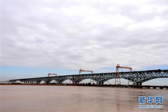 季峥铁路郑州黄河大桥正在加紧建设