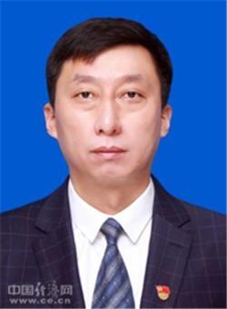 头衔:佳木斯大学副校长杨进明 七台河市委常委、宣传部部长