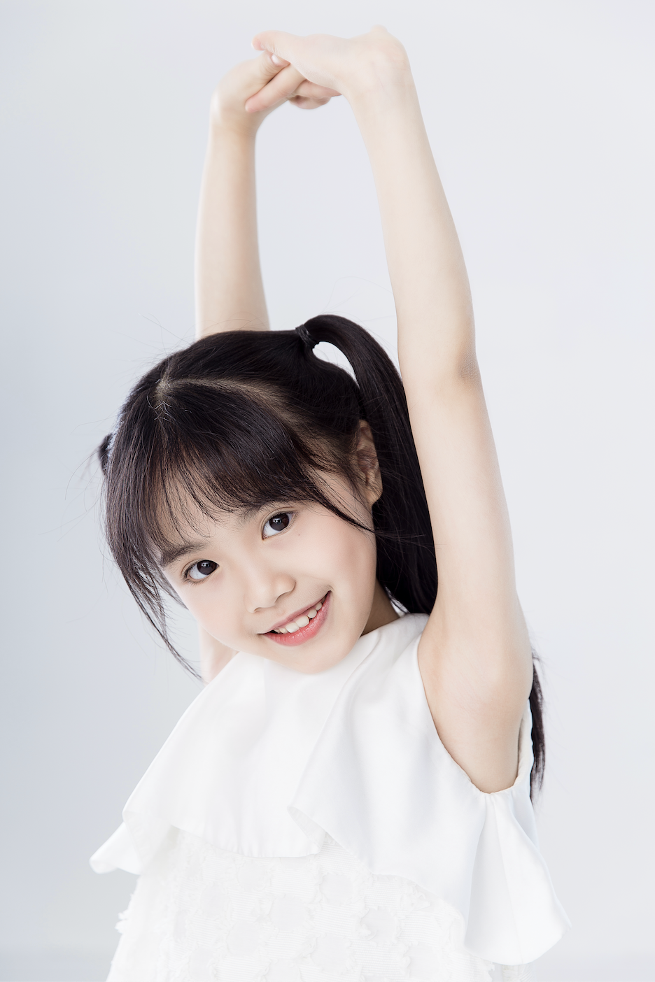 《夺冠》热映燃情女排 《百度好奇夜》薇妮饰演童年郎平