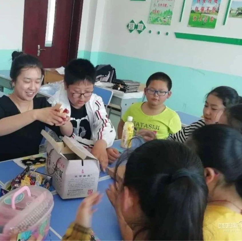 11年来,哈市共录取2941名特岗教师|有2688人仍坚守在贫困农村的中小学,将青春和爱献给村娃