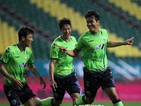 本土中锋成长慢,李同国退役后留给韩国足球课题