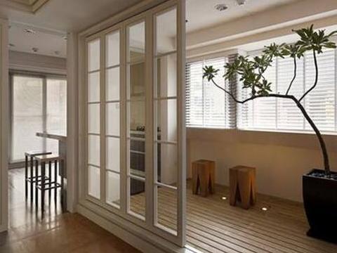 越来越多人阳台不装推拉门了用折叠门替代不仅好看,还节省空间