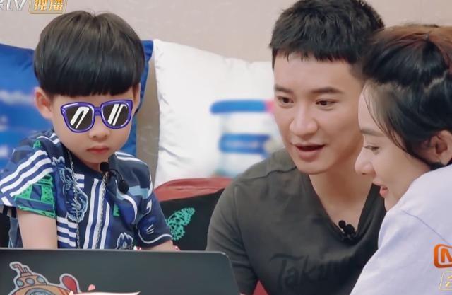 王弢给四岁儿子看刘璇生产视频,画面尺度过大!恐会留下心理阴影