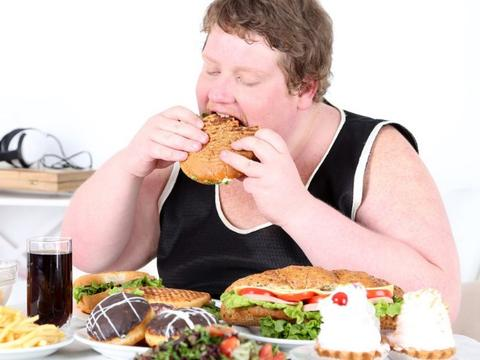 尿酸为何升高?不是海鲜也非内脏,可能是这3种东西吃太多