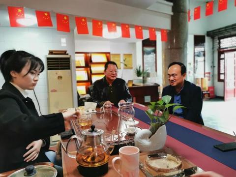 安化县人大主任李太源一行到高马二溪茶业视察工作