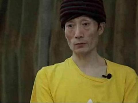 46岁芭蕾舞老师郭冷,年入百万只住酒店,生活全靠家长轮流照顾