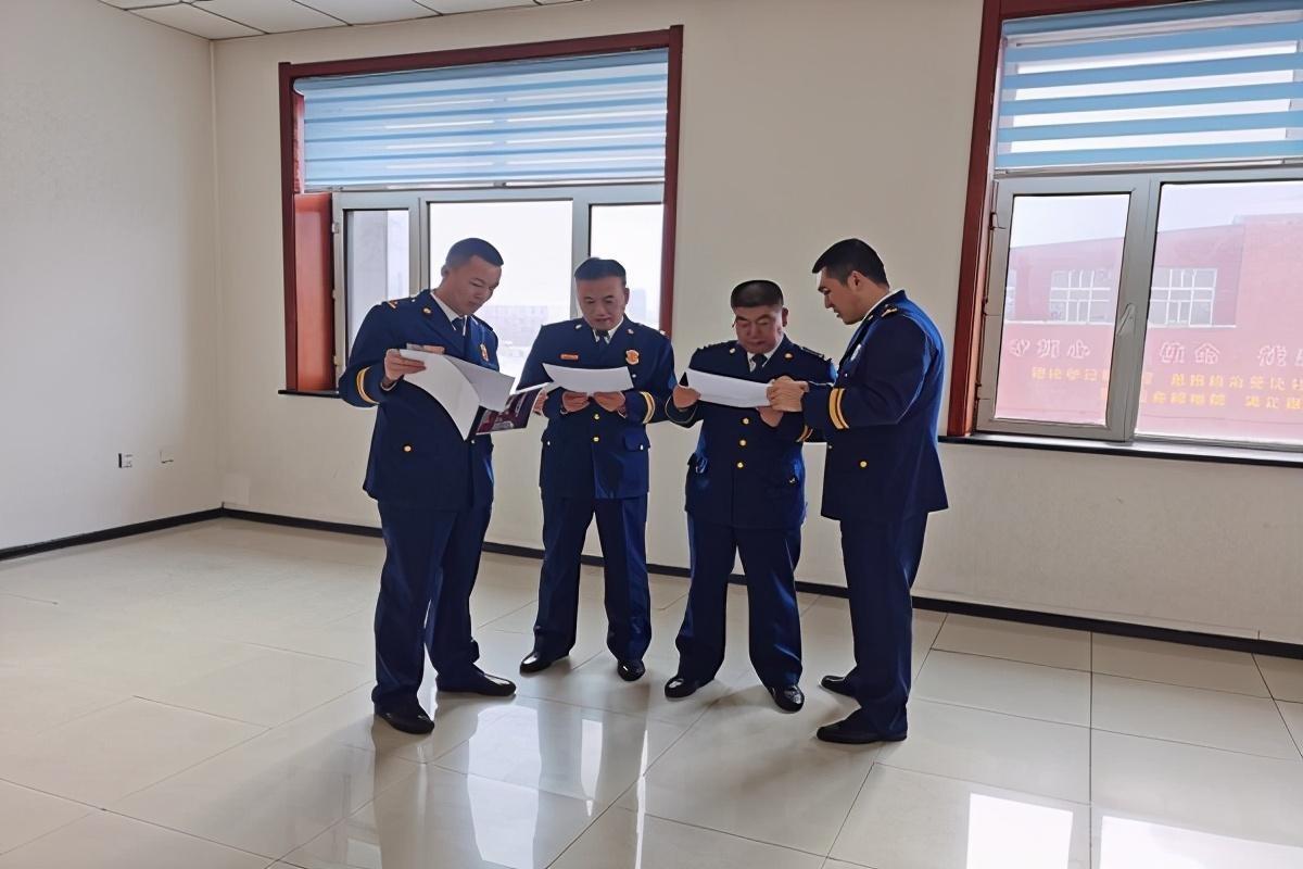 佳木斯市消防救援支队韩永江政委深入桦南大队检查指导工作