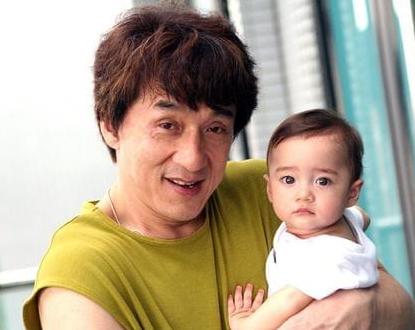 记得《宝贝计划》的婴儿吗?从小就有千万人等他长大现14岁不敢认