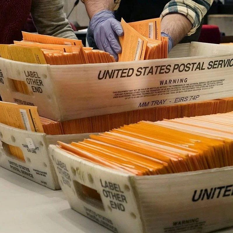 """美国大选""""决战阶段"""",30万张选票被邮政局弄丢了"""