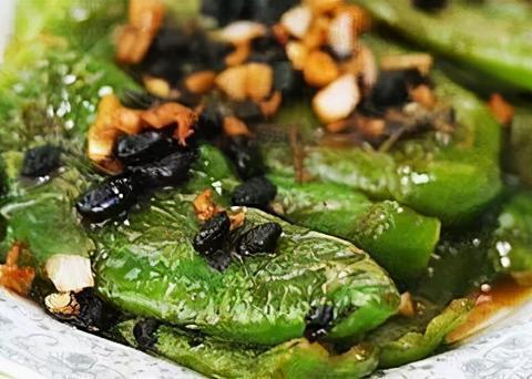 家常小菜:豆豉虎皮青椒,龙眼肉莲子鸡蛋汤,花旗参炖水鸭