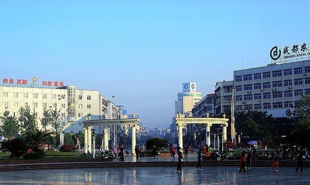 成都各区人口_四川成都代管的大县级市人口117万GDP竟然超425亿元