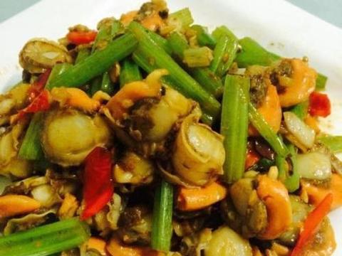 香芹辣酱炒扇贝、香菇腐竹炒肉片、枸杞麦冬炒蛋丁的做法