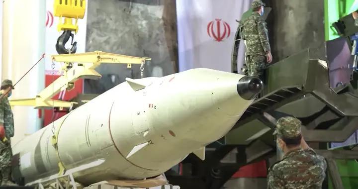 美国选举引发全球关注,伊朗地下洞库竖起导弹,先给白宫敲响警钟