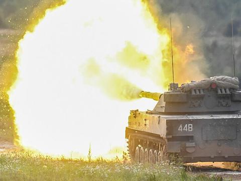 美专家点评世界三大轻型坦克哪家强,俄罗斯着急定型抢市场