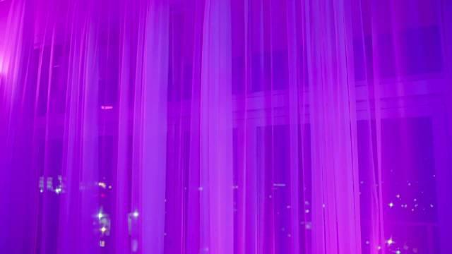 马鹿马 Maluma 与 Aya Nakamura 最新做客 EMA典礼现场表演……