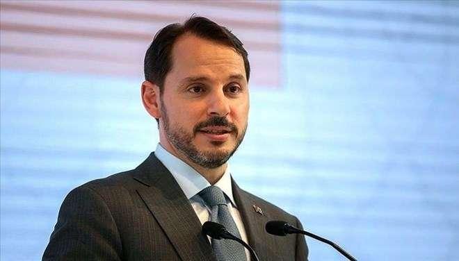 土耳其总统埃尔多安同意财政部长辞职请求