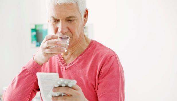老年人高血脂治疗,吃他汀类药物需要注意什么?为你全总结