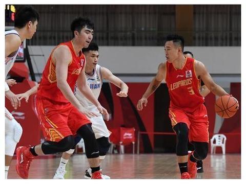 CBA-王哲林复出砍17+9贺希宁27分,深圳送福建10连败