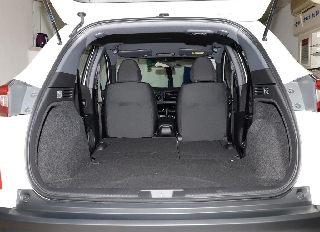 本田的小型SUV,皮实耐用空间大,有177匹马力,才13万