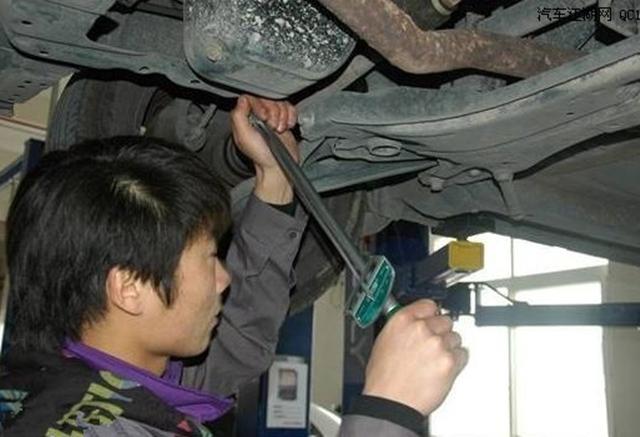 为什么油底壳螺丝、轮胎螺丝拆卸次数多了容易断?原因你想不到