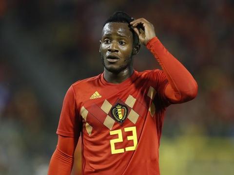 比利时主帅:巴舒亚伊表现出色,不排除今后他和卢卡库同时首发