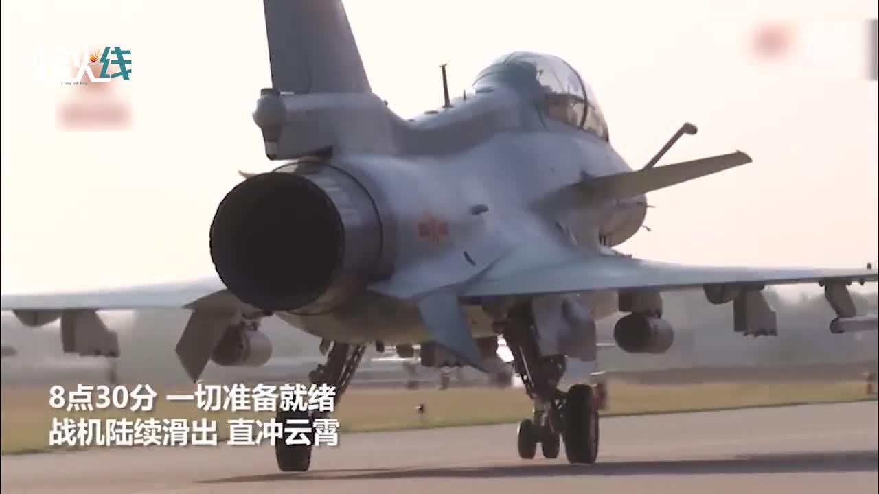 """目标摧毁!歼10C挂火箭弹""""洗地"""" 百米高空精确命中靶标!"""