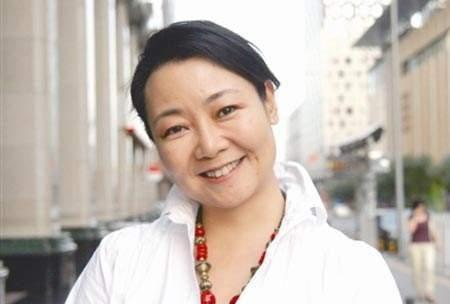 她演《闯关东》成名,就爱演妈妈,32岁时演42岁赵文瑄的妈,厉害