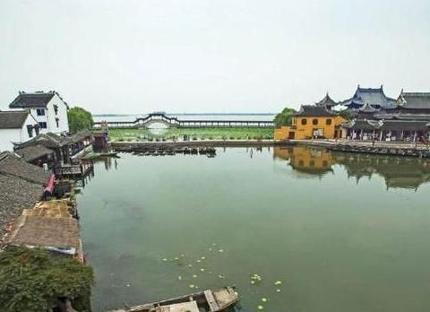 江苏有一座古镇,刘海粟赞她江南之最,沈从文说她是睡梦中的少女