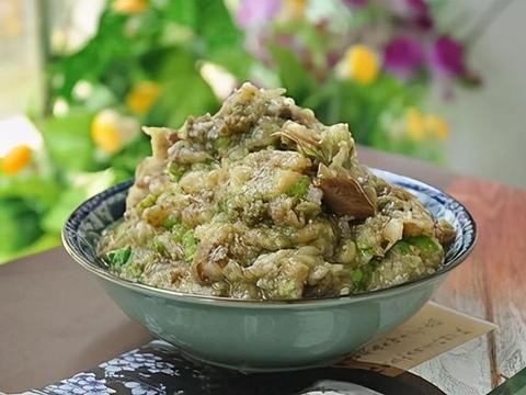 美味家常菜:双菇炒肉片,青辣椒茄子泥,栗子莲藕汤
