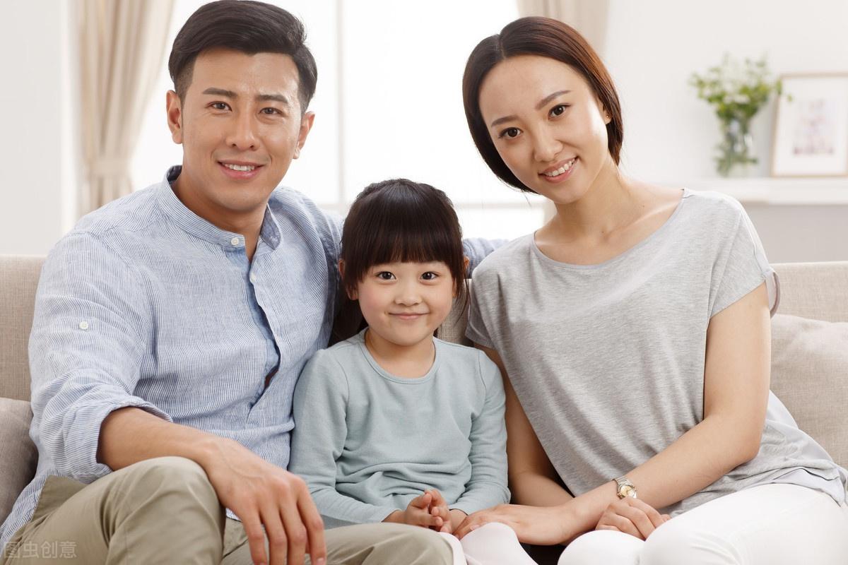 孩子为何越大与爸爸妈妈交流越少?4种育儿方法,把孩子越推越远