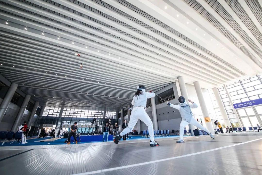 看了小选手的击剑比赛,世界冠军想在重庆收徒图片