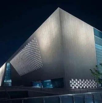 郑州美术馆面向社会招募导览志愿者!